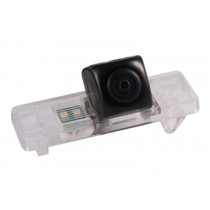 Камера заднего вида Nissan Juke (Gazer CC100-JD0-L)